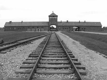Entrada al campo de concentración de Auschwitz, a unos 43 km de Cracovia.
